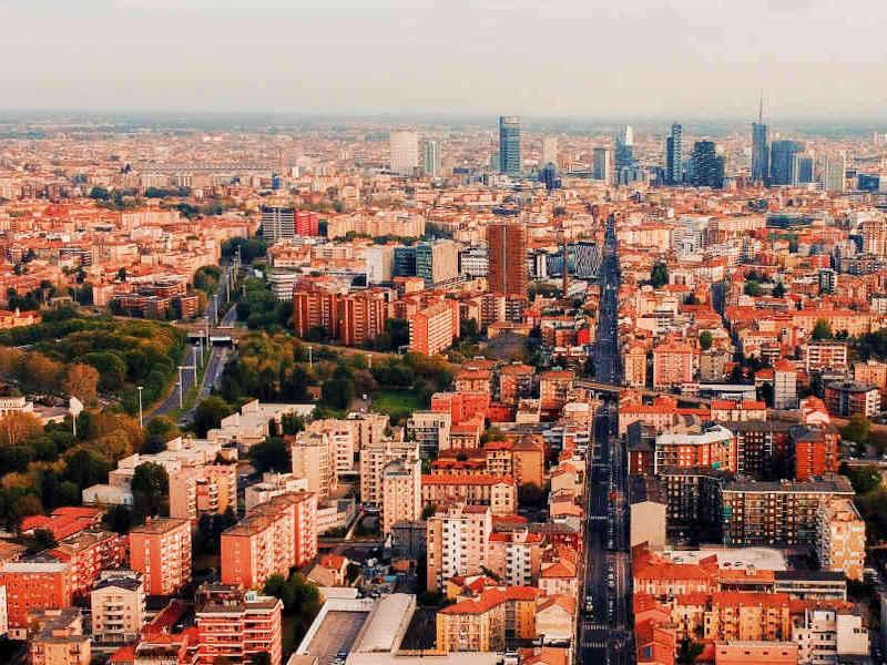 Milano Mercato Immobiliare 2021 © Andrea Ferrario Unsplash
